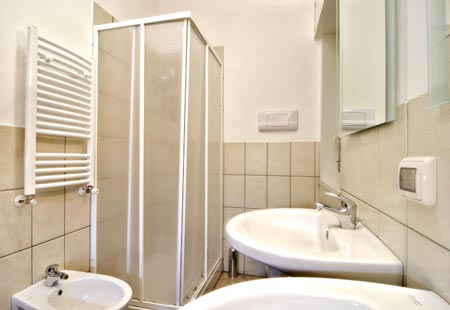 Galleria fotografica hotel marconi sicilia for Bagni arredati immagini